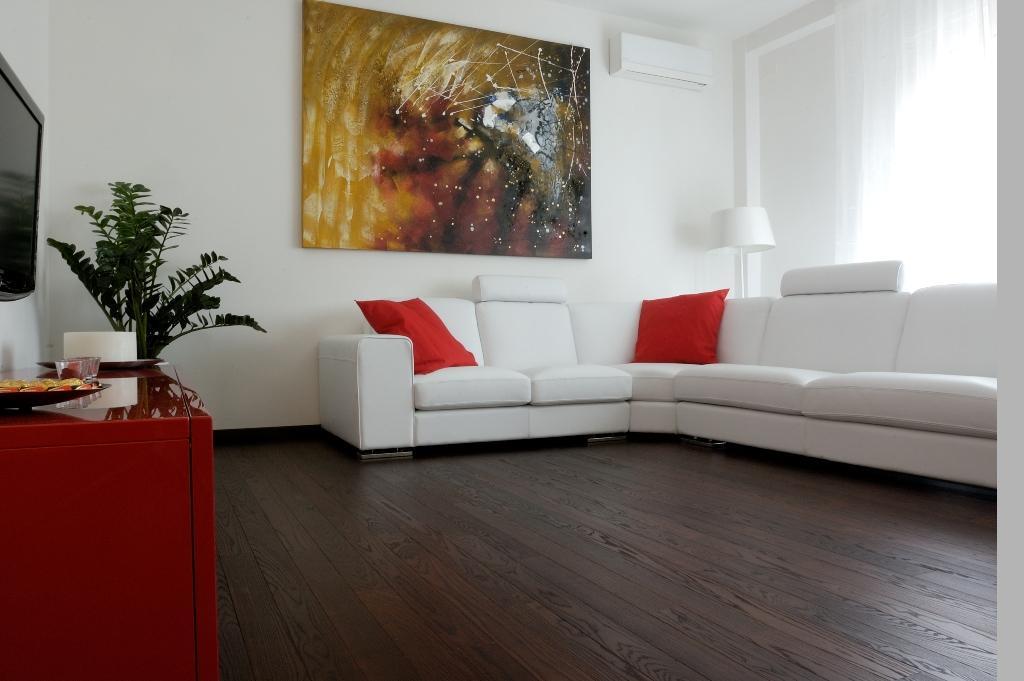 thermowood-koris-kemeny-fa-padlo-burkolat-15x130mm-215c-gocsmentes-3.jpg