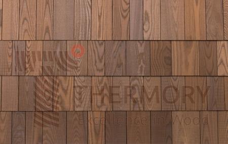 Inspirálva a legutolsó trendeknek, a Thermory bevezette az új Thermory Kőris Zsindely falburkolatot, annak érdekében, hogy modern tradíciót alkossunk a zsindely történelmében.